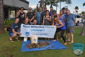 Hawaii-people-Crew-w-catch-o-the-day-1LR-(3)
