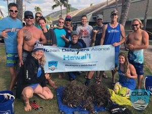 Hawaii-people-Crew-w-catch-o-the-day-1