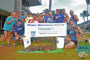 Hawaii-people-Crew-w-catch-o-the-day-2-PSLR